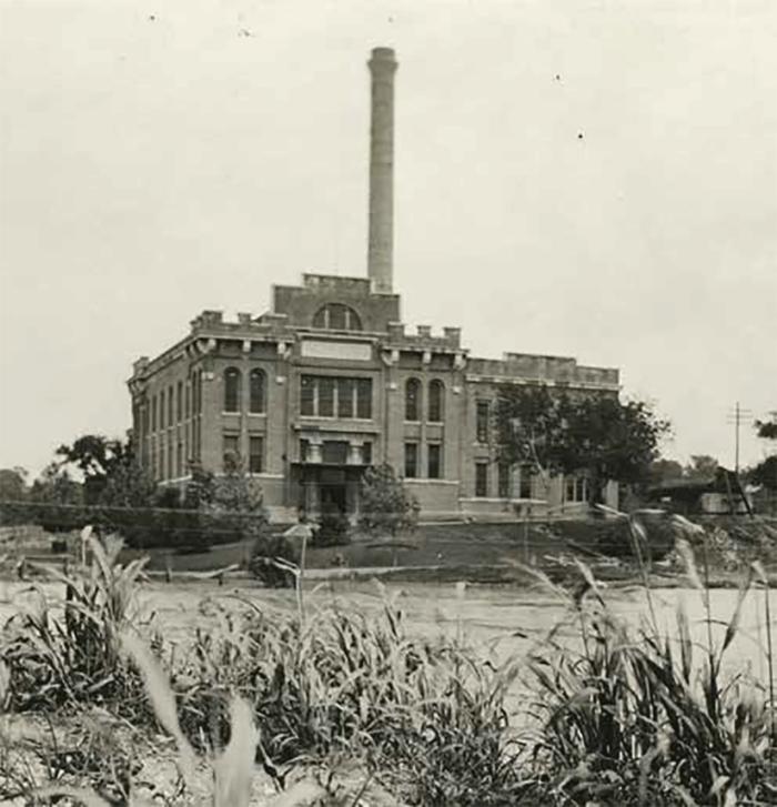 1909: